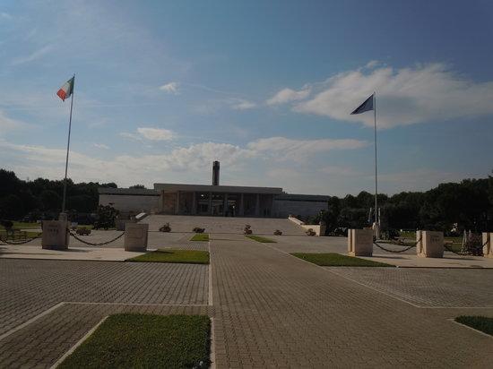 Bari, Italie : Sacrario Militare dei Caduti d'Oltremare