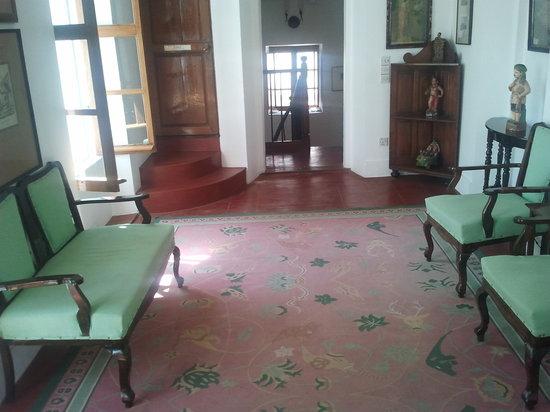 Hotel de l'Orient : The first floor 'lobby'