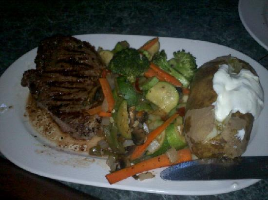 Mitty's Ristorante : Yummy steak... OMG SO GOOD! (2nd time I ate here)