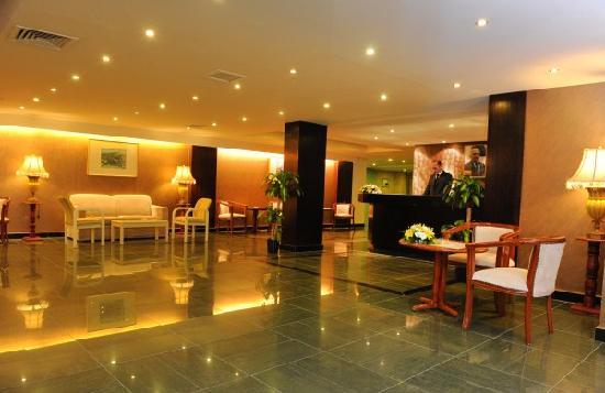 Mina Hotel: Loby