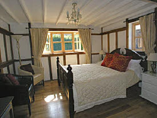 Dolweunydd Bed & Breakfast: Romantic Cottage Bedroom