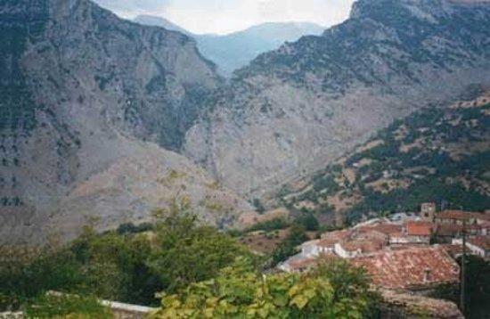 Rotonda, Italy: San Lorenzo Bellizzi e le gole del Raganello