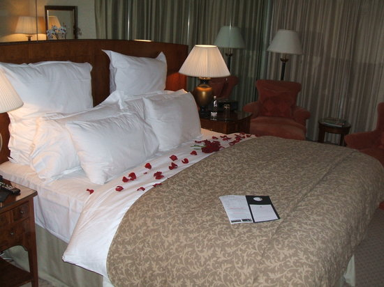 Old Course Hotel, Golf Resort & Spa: rose petal turndown