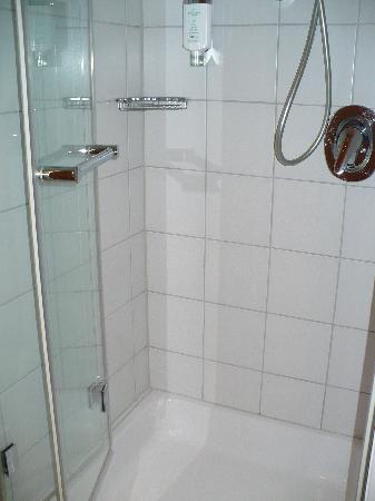 KOLLER's Hotel: baño2