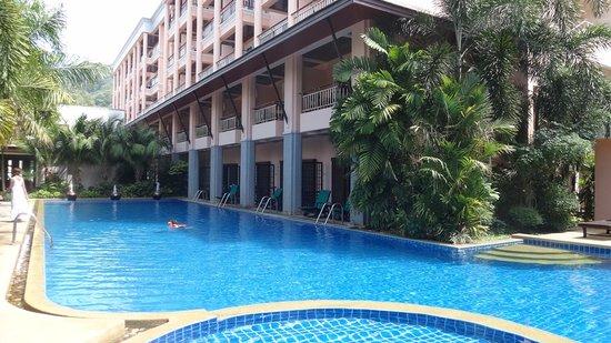 Thanthip Beach Resort: swimming pool