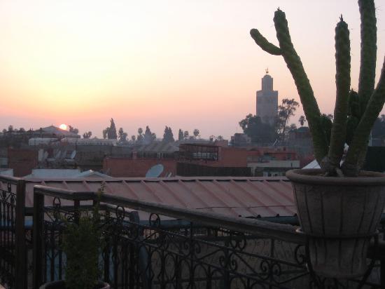 Hotel Sindi Sud: vue sur les toits de la Médina de la terasse du Sindi Sud