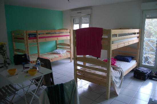 "La Petite Auberge  de Saint-Sernin: dorm room ""Strasbourg"""