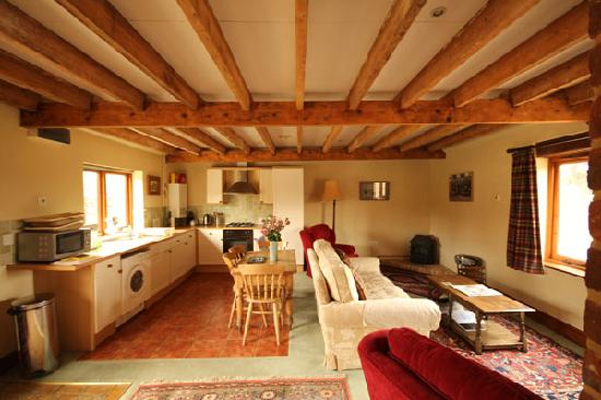 Iken Barns: Old Mill House (sleeps 3) Living area