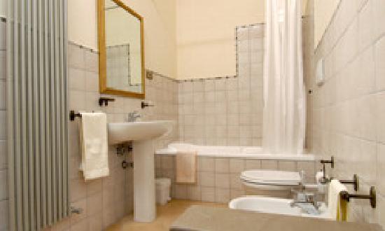 Bagno con vasca picture of b b antica dimora delle acque - Bagno con vasca ...