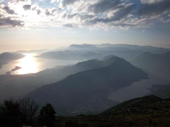Kotor, Karadağ: vista sulle Bocche di Cattaro