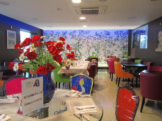 Hotel Roi Soleil Colmar : Sala do café da manhã