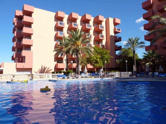 OLA Hotel Maioris : Pool area