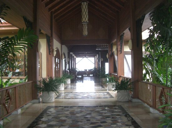 The Springs Resort and Spa: Entrance to Resort