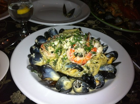 Linguine's Italian Restaurant : food