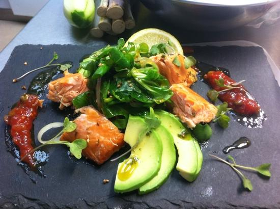 hot smoked salmon with tomatoe and caper chutney, baby broccoli shots.