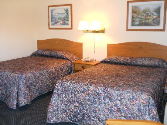 Regency Inn : Queen Beds