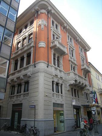 Violetta: Palazzo