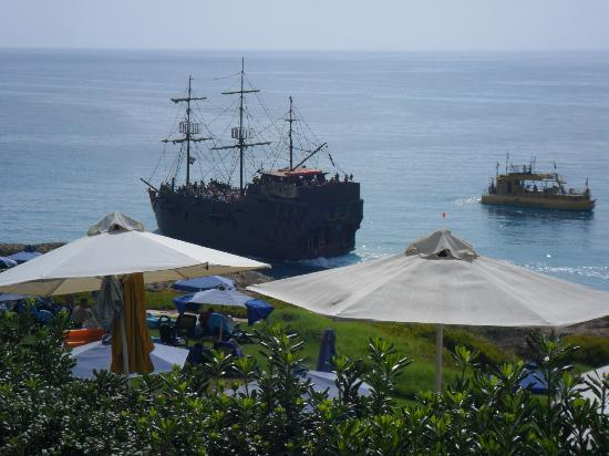 Atlantica Club Sungarden Hotel: view over seafront of pirate boat
