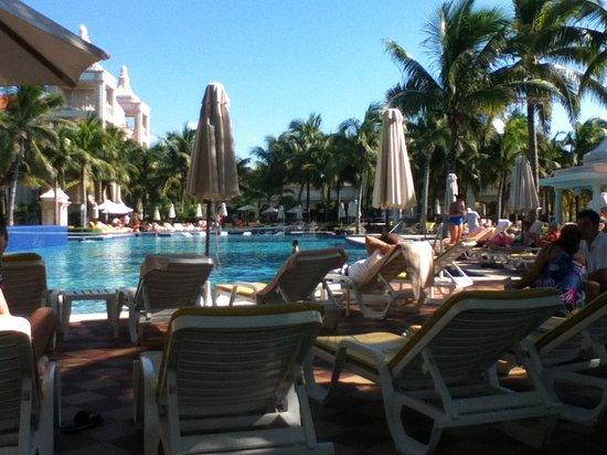 Hotel Riu Palace Riviera Maya: Nice pool area