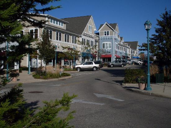 Hampton Inn South Kingstown - Newport Area: Village Feel, Safe and Attractive
