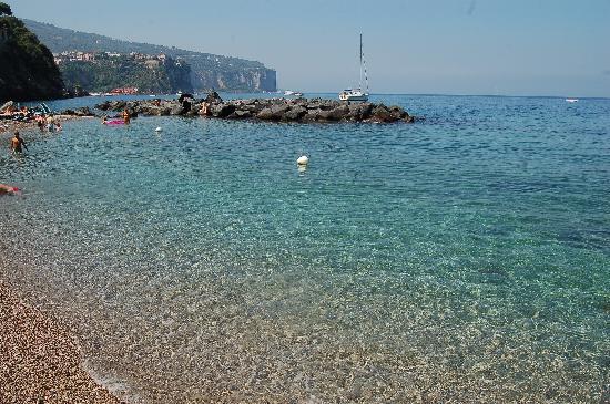 Vico Equense, Italy: un mare di cristallo!