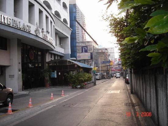 White Palace Bangkok: 2