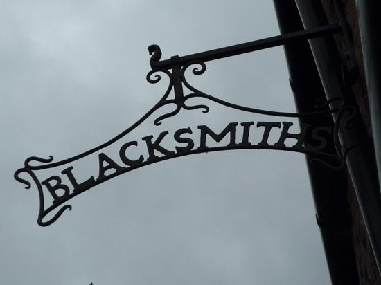 Abbey Bridge: Blacksmiths exterior sign