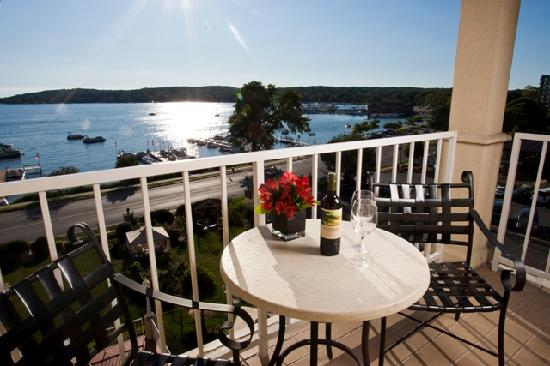 Bella Vista Suites : Lakeside views from balcony