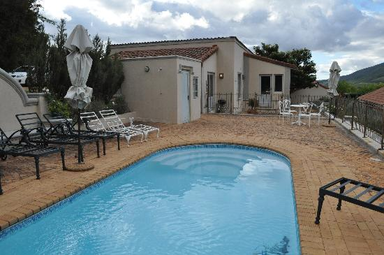 Clouds Wine & Guest Estate: Peace plunge pool