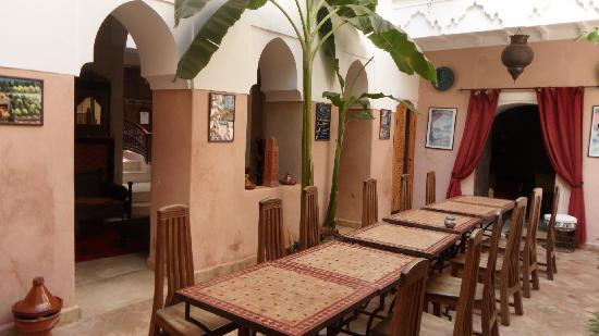 Riad Sidi Mimoune: Central patio