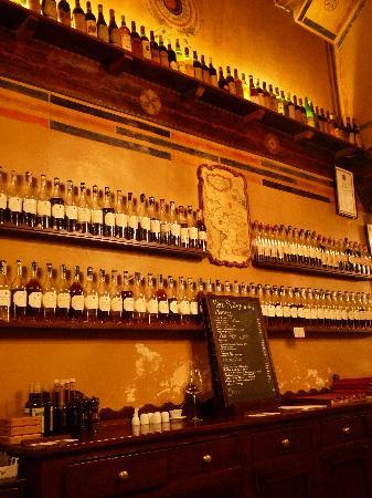 Inside Bottega del vino