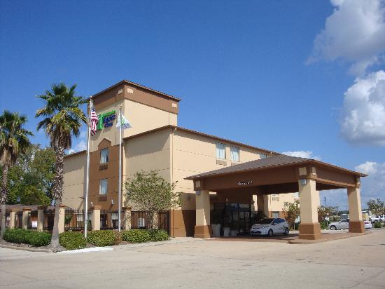 Holiday Inn Express Hotel & Suites Houston North-Spring: Exterior