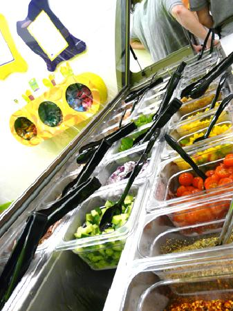 Pasta Pot: Customise your pasta with our delicious range of salad and toppings!