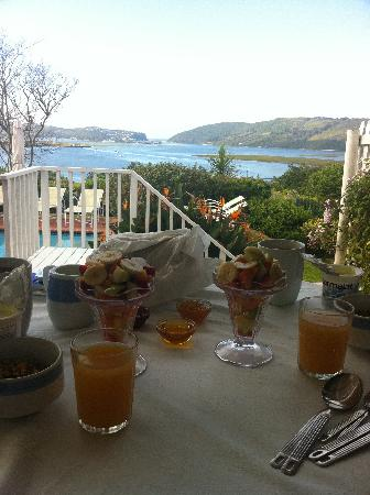 Azure House: Breakfast with a view!