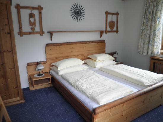 Am Kmolnigerhof Pension: Beispielfoto Zimmer