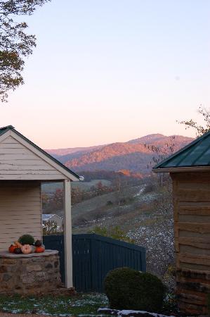 The Inn at Mount Vernon Farm: Southwest, the same morning.