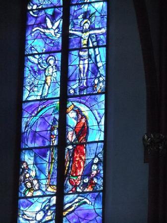 St. Stephan's Church (Stephanskirche): Chagall Fenster