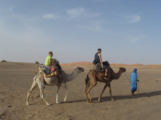 Sahara Tours 4x4: De camino hacia las haimas