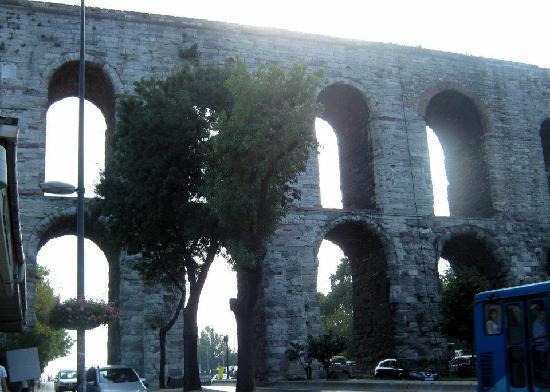 Valens Aqueduct (Bozdogan Kemeri) : Valens Aqueduct