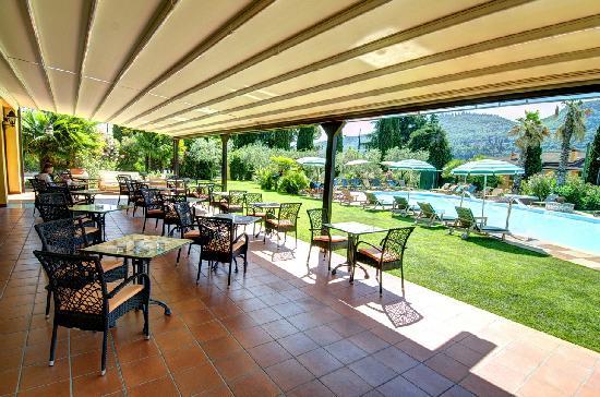 Hotel Villa Madrina: Pool area