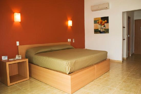 La Isla Huatulco & Beach Club: cama king