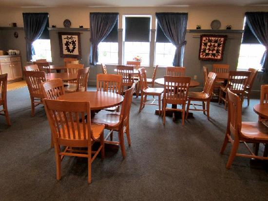 The Nappanee Inn: The dining area