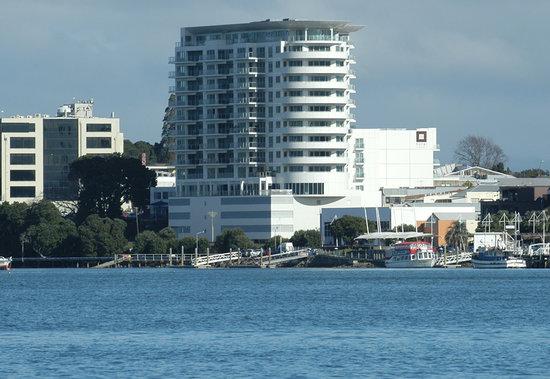 Hotel on Devonport : Devonport Towers