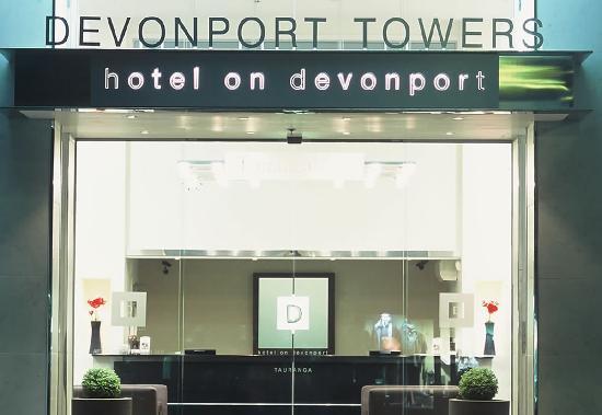 Hotel on Devonport: Hotel Entrance