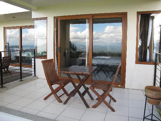8 Suites: Veranda