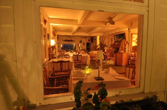 Sooke Harbour House: peeking into the dining room