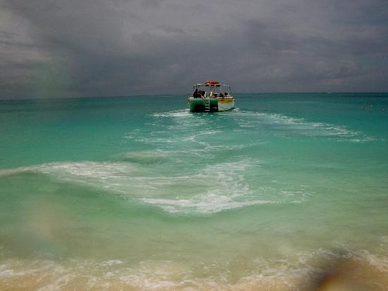Grace Bay: Caicos Tour Boat