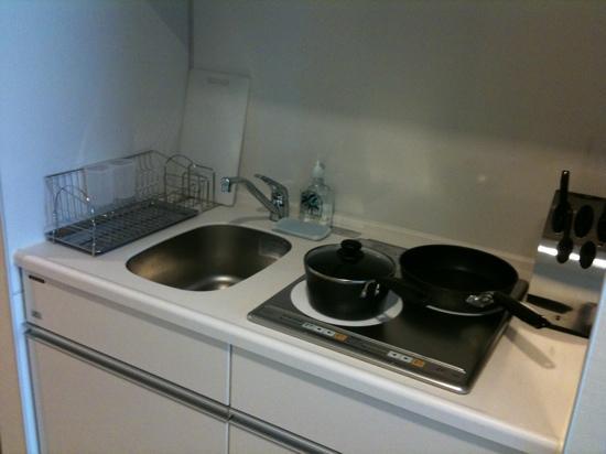 Fraser Residence Nankai Osaka : little kitchen!