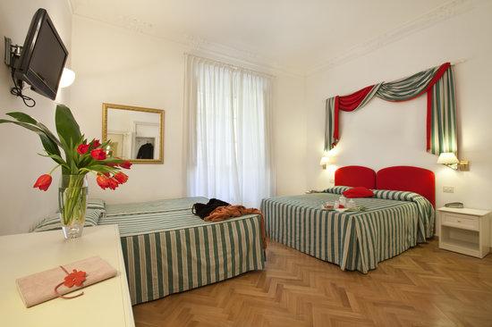 Hotel Italia: family room
