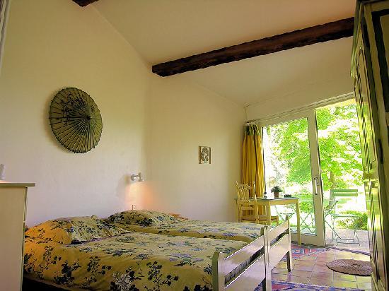 bonne terre b b lacoste france voir les tarifs 36 avis et 43 photos. Black Bedroom Furniture Sets. Home Design Ideas